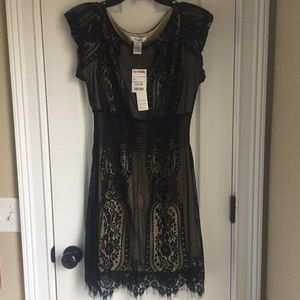 Pinky Size large lace Black and Tan dress